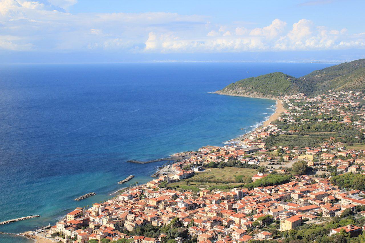 Erosione costiera, botta e risposta tra minoranza e maggioranza a Castellabate