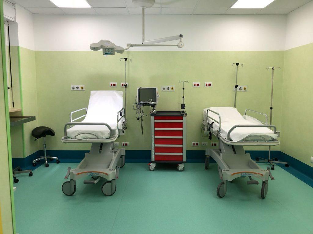 Vaccino Covid, sospetta trombosi nel Salernitano: 44enne ricoverato