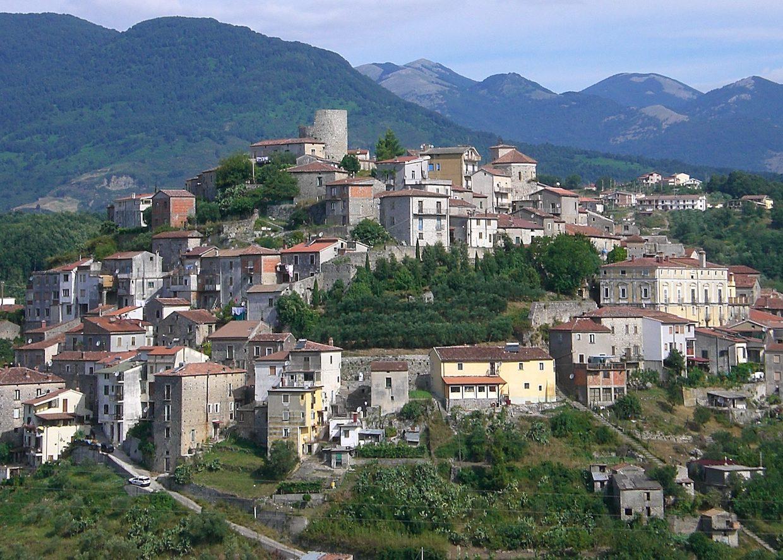 Caselle in Pittari, arrivano 500 dosi vaccino anticovid. Sindaco: «Giornata storica»