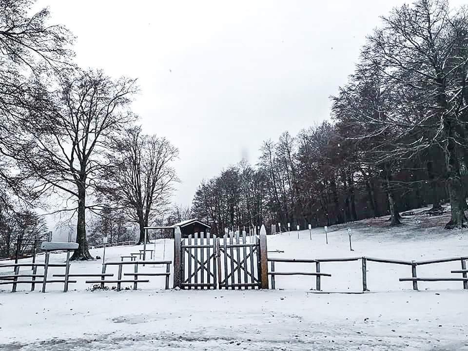 Prima neve sul monte Cervati: la foto che sa di inverno
