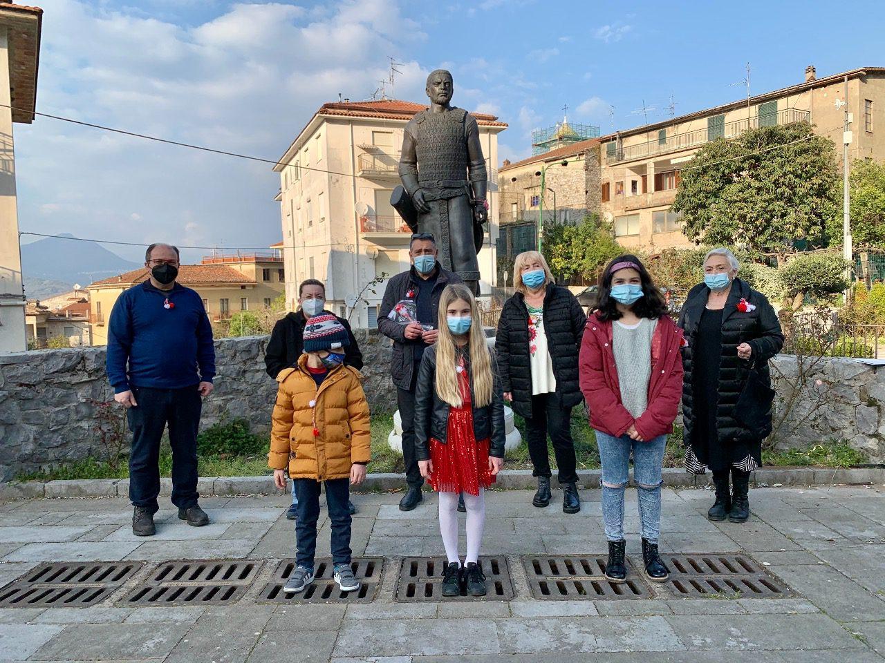 Celle di Bulgheria, studenti festeggiano arrivo primavera come bulgari