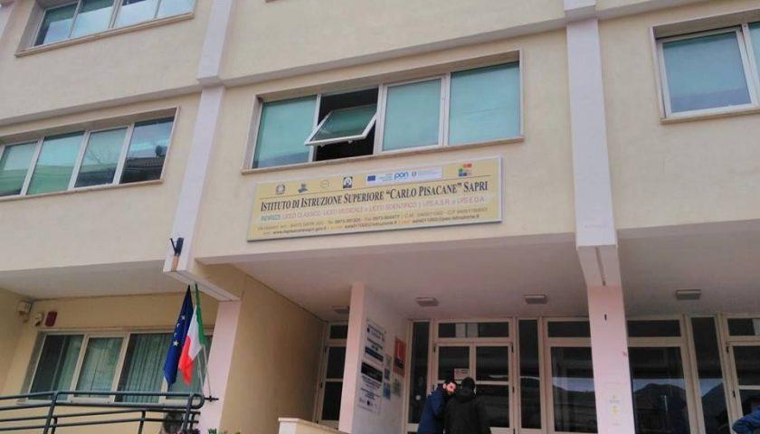 Sapri, classi del Liceo Pisacane a rischio. L'appello della dirigente a  famiglie e sindaci - Giornale del Cilento