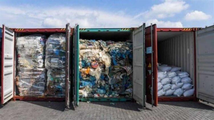 Traffico rifiuti italiani in Tunisia, arriva risposta Commissione europea ma i container sono ancora a Sousse
