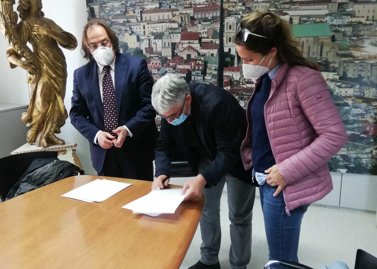Camerota e Agenzia Campania Turismo insieme: Scarpitta e Raia firmano convenzione