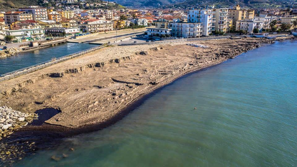 Posidonia spiaggiata, la Regione stanzia 500mila euro per il Comune di Agropoli