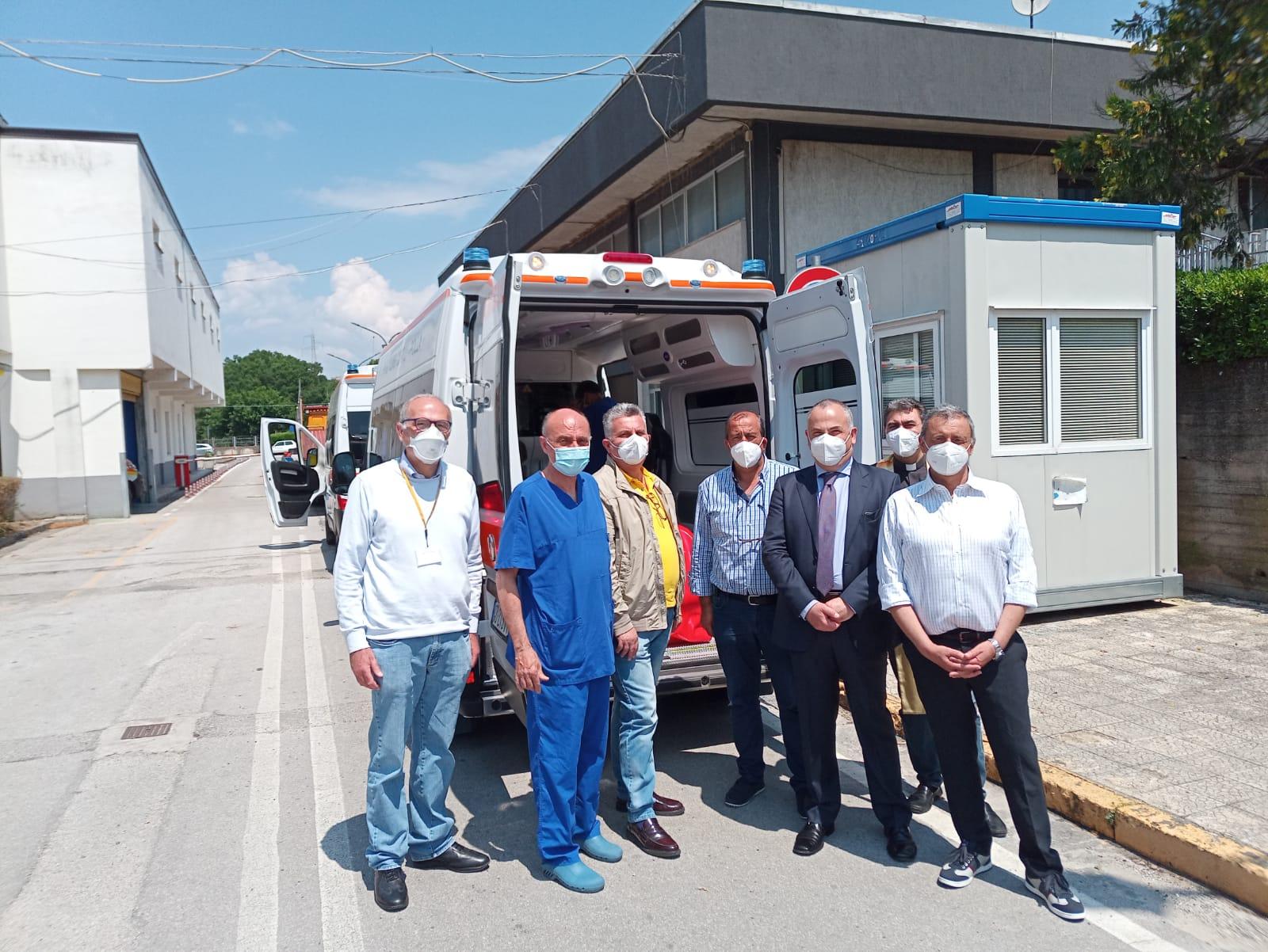 Nuova ambulanza donata all'ospedale di Polla, un'altra sarà donata a Sapri