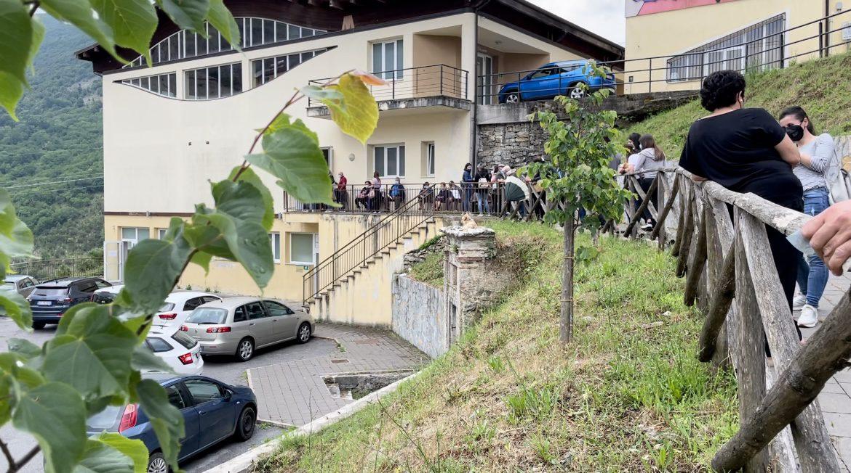 Caselle in Pittari, oltre 600 vaccinati in un pomeriggio. Sindaco: «Verso un'estate serena»