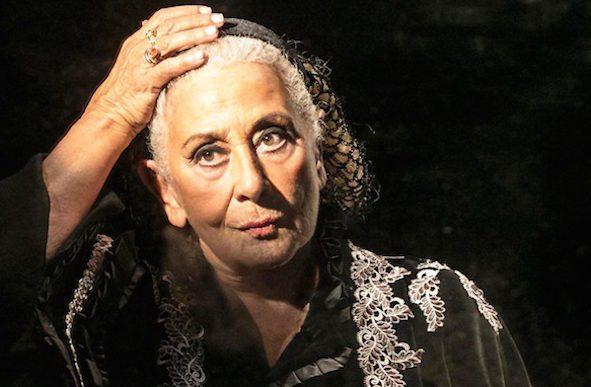 Isa Danieli, a Gioi Cilento per lo spettacolo teatrale «Raccontami, una passeggiata devota»