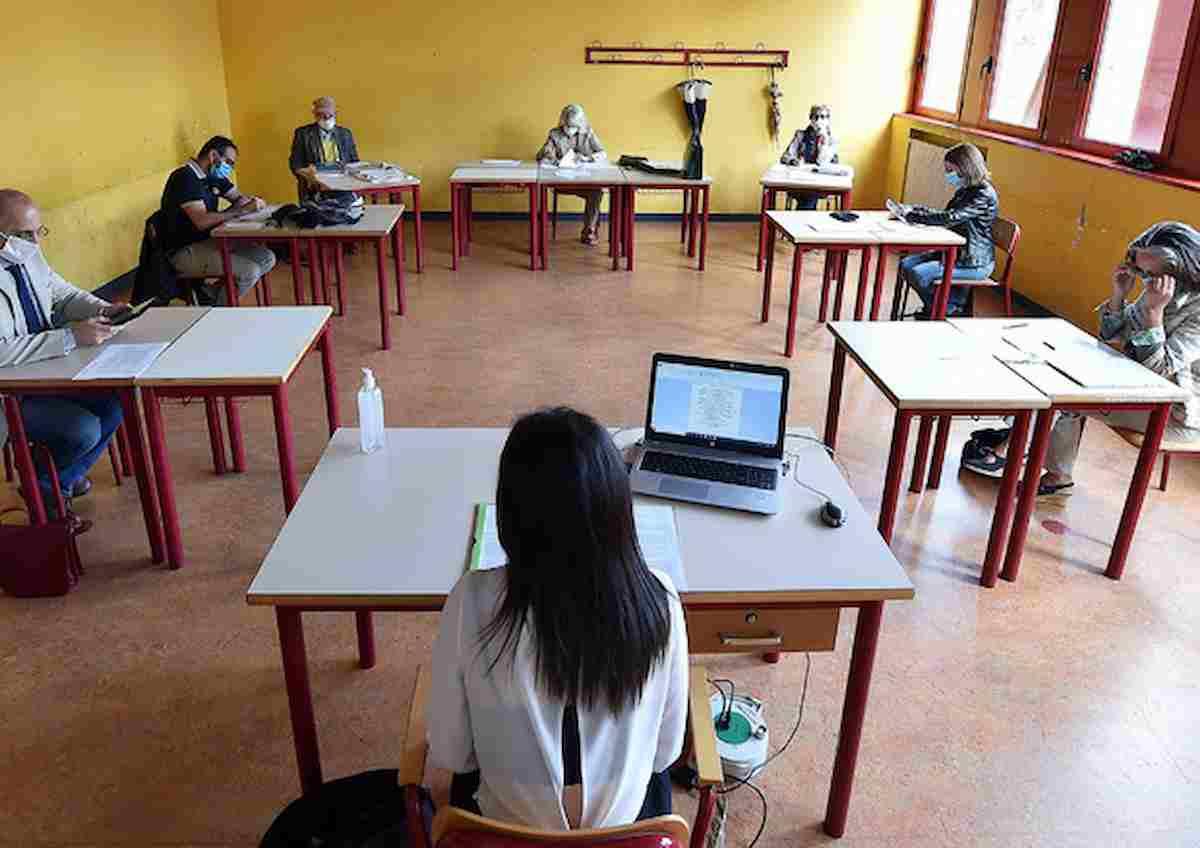 Campania, maturità: via agli esami per 70mila studenti