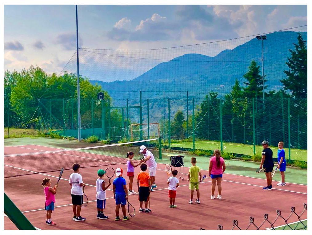 Tortorella, una settimana di corsi con il campione di tennis Paolo Canè: aperte le iscrizioni