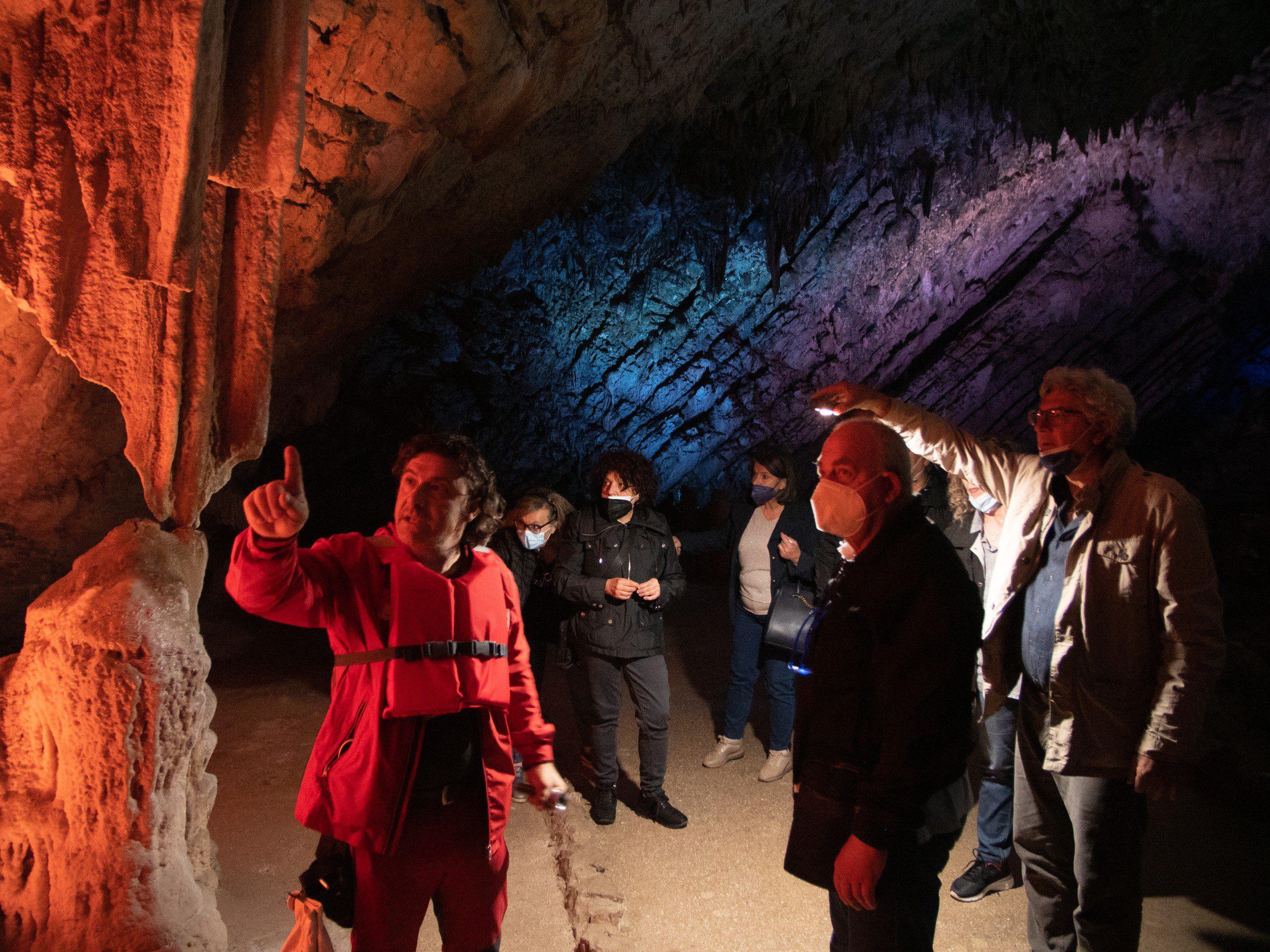 Grotte di Pertosa e Auletta: una video guida per i non udenti